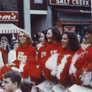 http://hinsdale1967.com/wp-content/uploads/2017/04/Homecoming_Parade_2.jpg