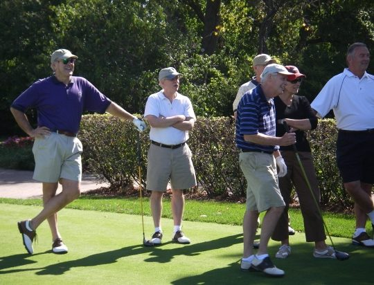 http://hinsdale1967.com/wp-content/uploads/2017/05/Golf_Group_Looking_with_Amazement-540x412.jpg