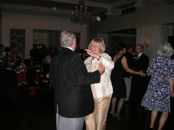 http://hinsdale1967.com/wp-content/uploads/2017/05/Linda_Larson_and_Denny_Parsons_prom_dates.jpg