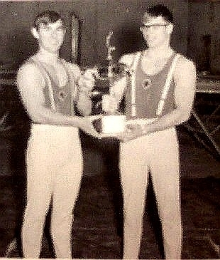 http://hinsdale1967.com/wp-content/uploads/2017/05/Neil_Krupicka_and_Tom_Johnson_holding_1st_place_trophy_in_1967.jpg