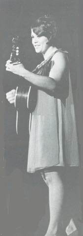 http://hinsdale1967.com/wp-content/uploads/2017/05/Singing_in_a_talent_show_in_college_I_won.jpg