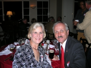 http://hinsdale1967.com/wp-content/uploads/2017/05/Sue_Pinkard_and_Hubby.jpg